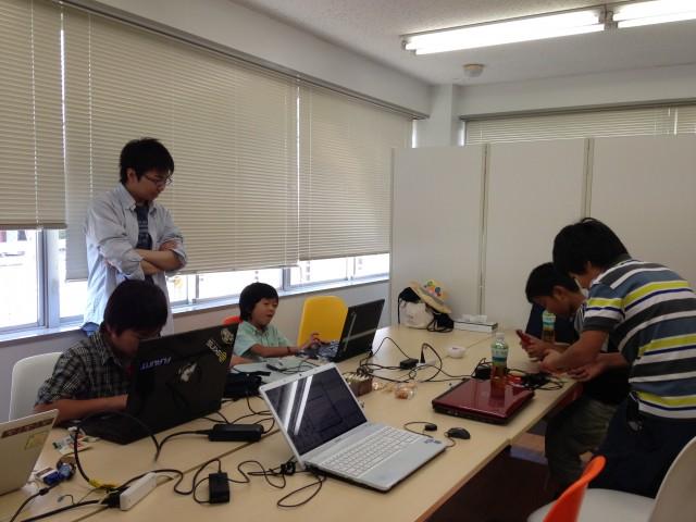 夏休み企画として開催された第0回 CoderDojo千葉の様子